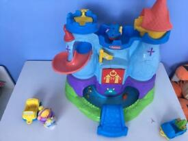 Play-school castle with figures
