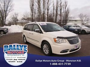 2013 Chrysler Town & Country Limited! Back Up! Alloy! Nav! Sunro