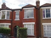 3 bed maisonette to rent in Leslie Road, East Finchley N2 £1733pcm