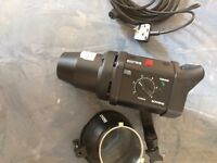 TWO Bowens Gemeni GM400 Studio Strobe Flash Heads BW-3670 With Cables & Reflectors
