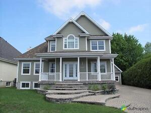 530 000$ - Maison 2 étages à vendre à Carignan
