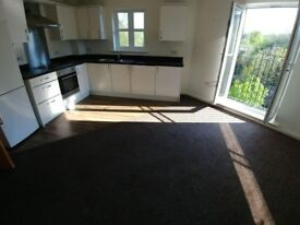 1 BEDROOM SPACIOUS APARTMENT FLAT TO RENT WITH SECURE GATED PARKING TOP FLOOR WITH RIVER VIEW BOLTON