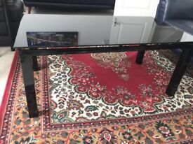 Nice Coffee table, black, Metal frame with glass top. In Great Condition