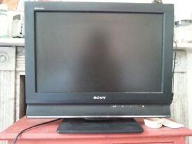 """Sony Bravia 19"""" KDL-19L4000 LCD TV"""