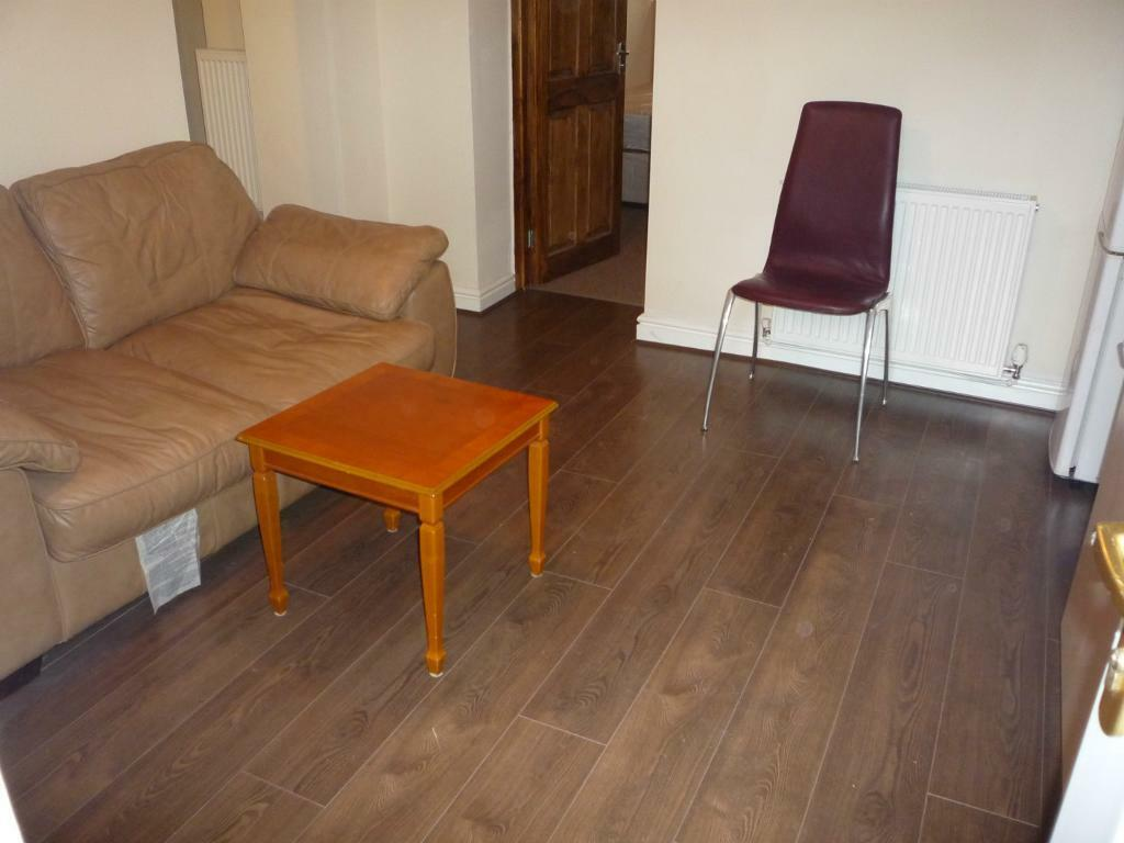 2 BED ROOM FLAT AVAILABLE TO VIEW FOR THE ACADEMIC YEAR 2017 - 2018