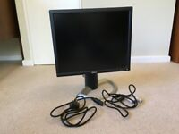 Dell 19 Inch 1901FP LCD Colour Monitor 1280 x 1024 with 3 way adjustable stand