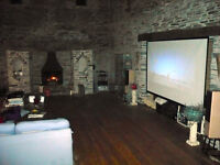 "Grandview 9' 6"" Cyber-Electric Projector Screen & HD Projector"