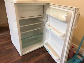 Great Electrolux fridge working perfectly!