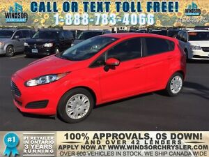 2014 Ford Fiesta SE - WE FINANCE GOOD AND BAD CREDIT Windsor Region Ontario image 1