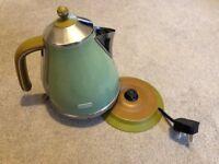 DeLonghi Vintage Icona Kettle Olive