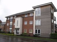 Spacious top floor unfurnished 2 bedroom flat available immediately RG4 5NA