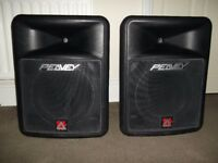 PAIR OF PEAVEY IMPULSE 200 BLACK WIDOW PASSIVE FULL RANGE DJ /PA SPEAKERS & STANDS. 4 OHM
