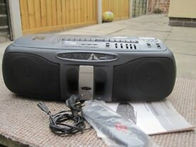 HITACHI CX-W400 3D,SUPER WOOFER,REMOTE CONTROL BOOM BOX GHETTO BLASTER (COLLECT LE27QT)