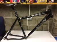 """Cove stiffee FR frame Matt Black 19.5"""" WITH EXTRAS HOPE/RACEFACE/CHARGE"""