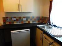 2 bedroom house in Rydall Terrace, Leeds, LS11 (2 bed)
