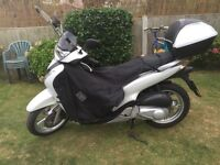 HONDA SHi 62 REG 2010 125CC WHITE ONLY 5075 MILES FROM NEW