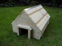 NEW - solid handmade quality rustic hedgehog house / feeding station - heavy duty