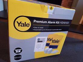 Yale Premium Wireless Alarm Kit HSA6400 with included Wireless keypad