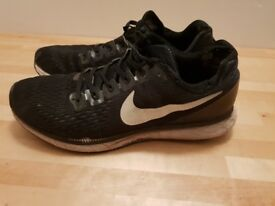 Nike black and white trainers