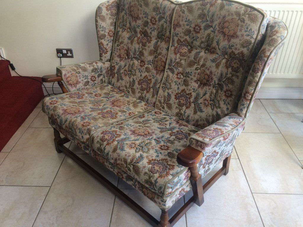Lovely Cottage Style 2 Seater Sofa Settee Good Sy Condition Solid Wood Arms