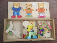 Teddy bear dressing up puzzle