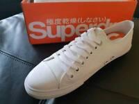 Men's superdry low pro sleek sneaker size 8. Brand new in box