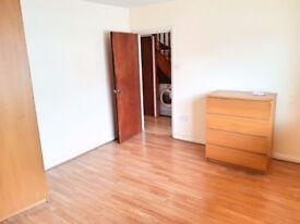 Hounslow West - Large Double Room (all bills included!) Near Heathrow. £600pcm