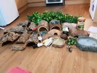 Job lot of reptile stuff