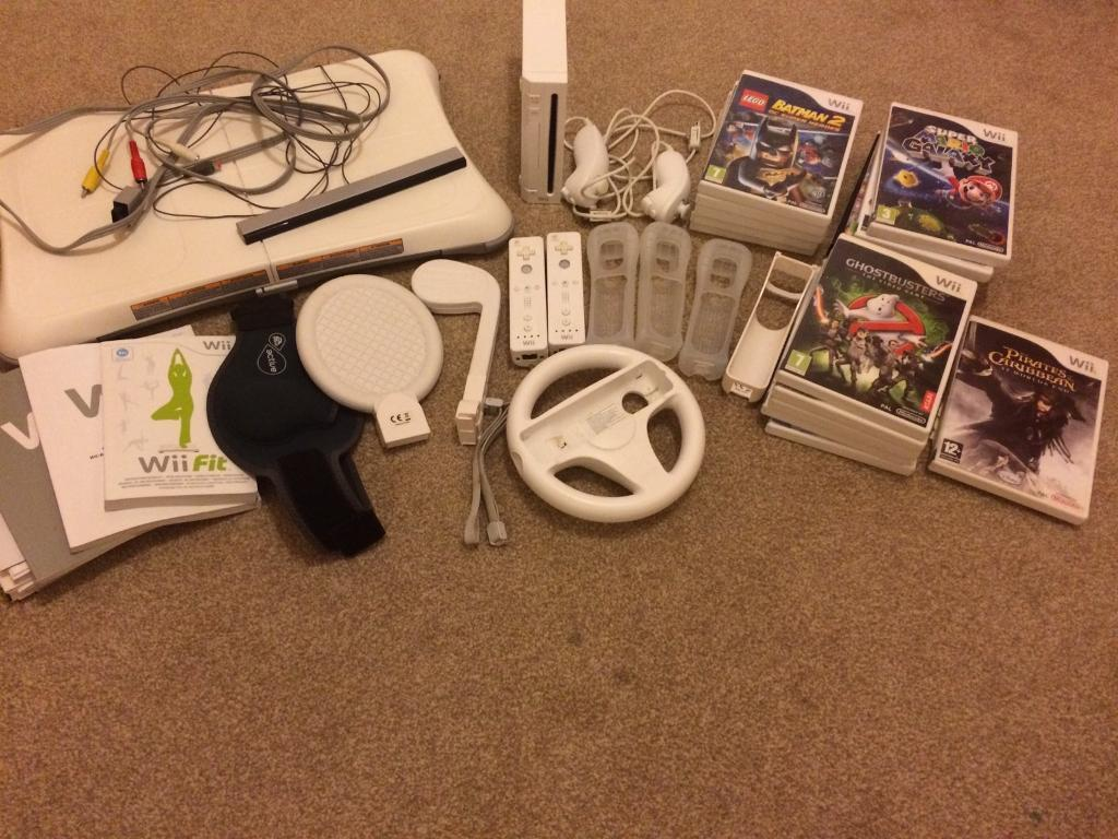 Nintendo Wii set and games