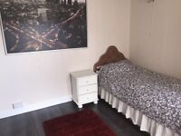 Superb Large Single room in Stockwood available now ......Including all bills