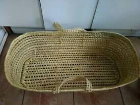 Basket/ moses basket