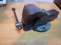 RECORD SMALL VICE GOOD CONDITION MODEL MAKERS