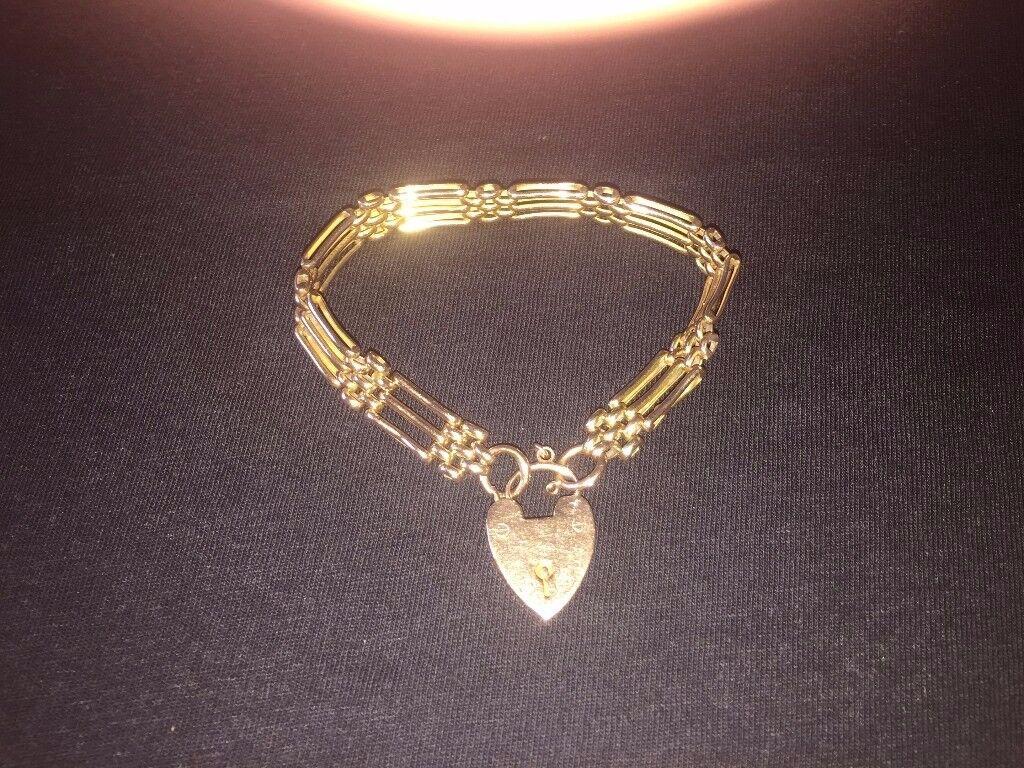 VINTAGE 9CT CARAT GOLD THREE BAR GATE LINK BRACELET WITH HEART CLASP, 14.3G