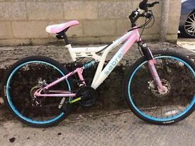 SERVICED PINK/WHITE LADIES BIKE - FREE DELIVERY TO OXFORD!