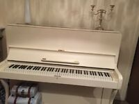 Shabby chic piano
