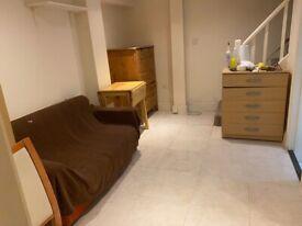 S/C Basement Studio Flat With Its Own Side Entrance, Kilburn