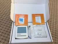 Heatmiser Wireless Programmable Thermostat and Receiver