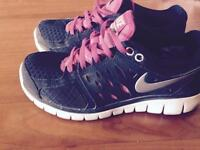 Black and Pink Nike Runners size 6.5
