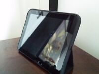 HP TouchPad 9.7 inch Android Tablet + Official case/stand + Wireless charger stand