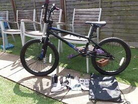 Mongoose BMX (excellent condition)