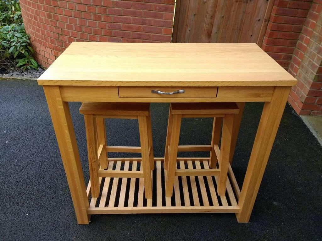 Oak Breakfast Bar Table And Stools Set