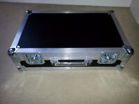 FLIGHT CASE FOR DJ OR BAND USE