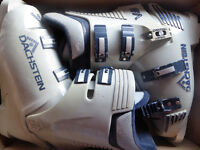 Great if it snows locally! Pair of Dachstein fully adjustable Ski or Snowboarding Boots size 8.
