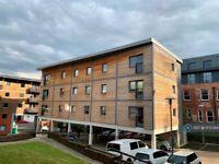 2 bedroom flat in North Crescent, Leeds, LS2 (2 bed) (#1100388)