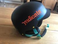 Red Mutiny II size 57-59cm Snowboard helmet