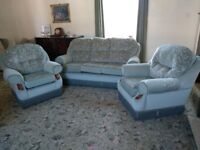 Green 3 piece suite. As new.