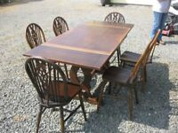 VINTAGE SOLID OAK EXTENDING TABLE & 6 ORNATE WHEEL BACK CHAIRS. VIEWING/DELIVERY AVAILABLE
