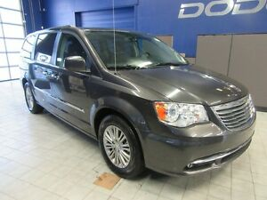 2016 Chrysler Town & Country TOURING w/LEATHER,GPS,DVD