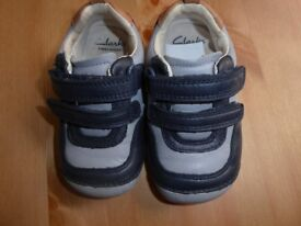 Baby boy Clarks leather shoes size 5G in very good condition