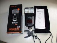 Godox Thinklite TT680 flashgun GN58 E-TTL for Canon EOS.